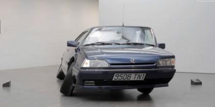 Erwin Wurm – Renault 25